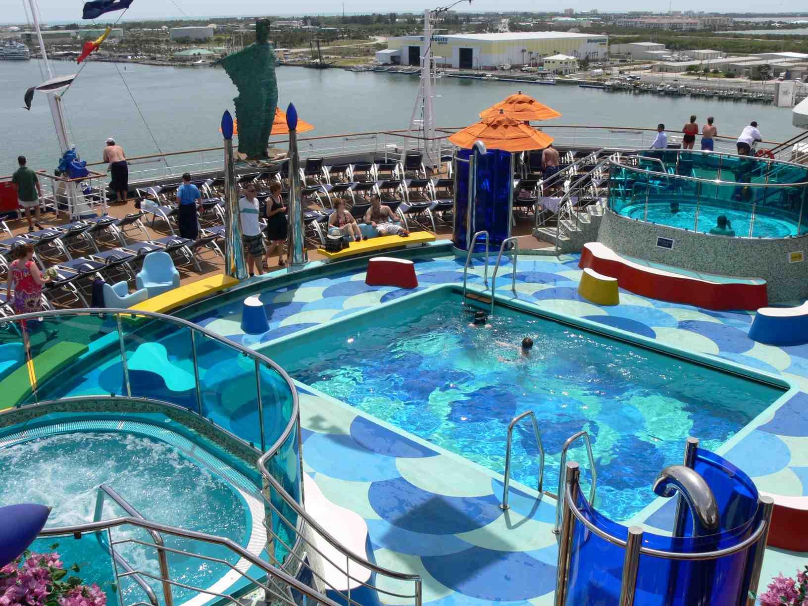 CruiseFellows.com Ship